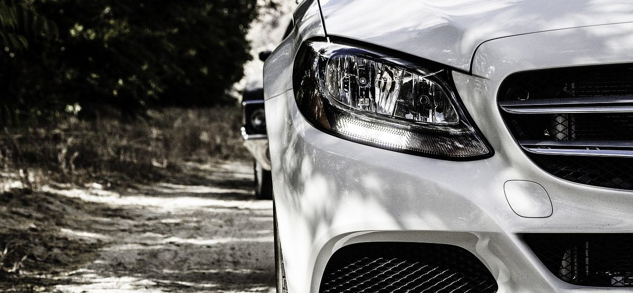 White Mercedes-Benz | Mercedes DPF Cleaning